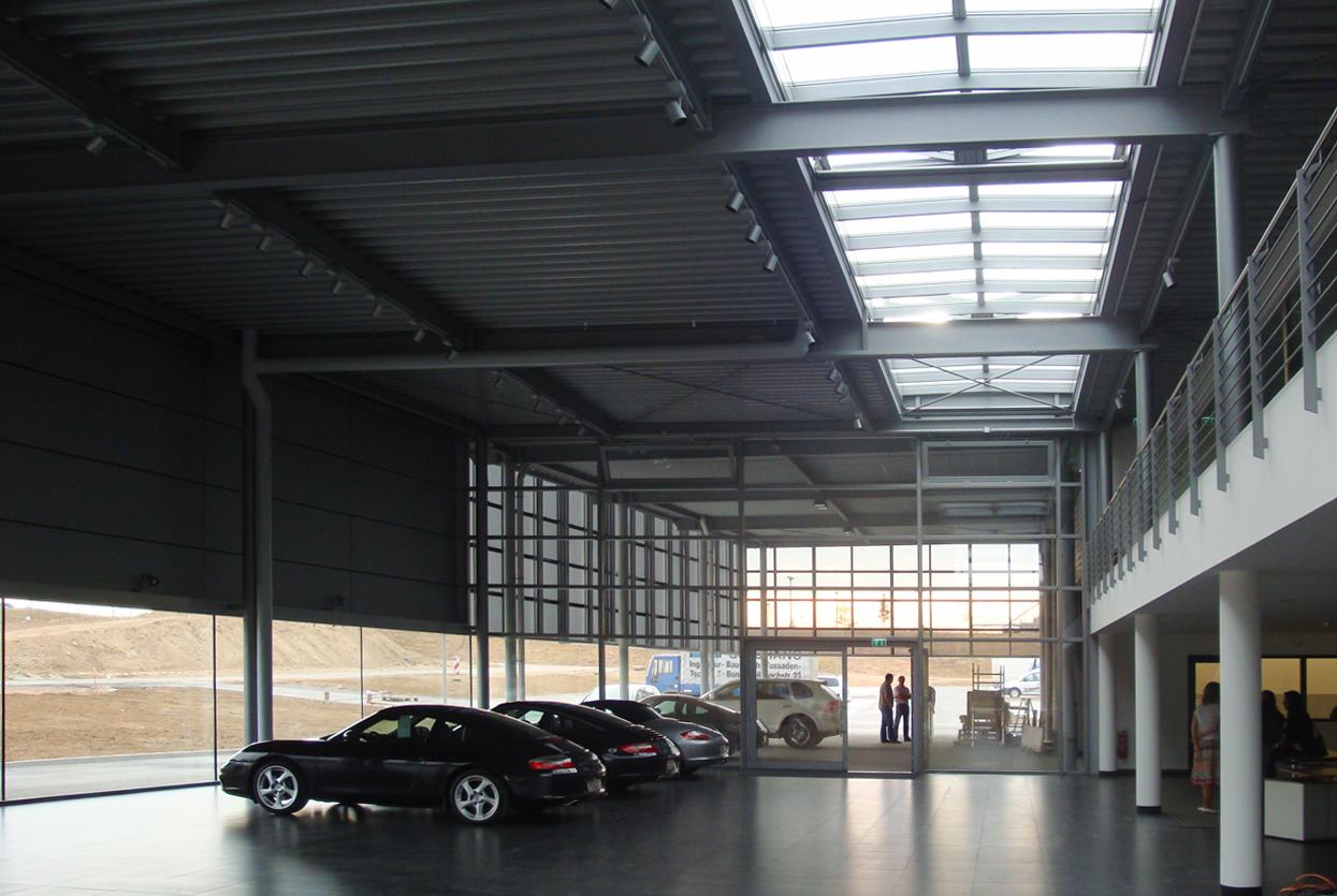 Innenansicht Porsche Zentrum Mainz